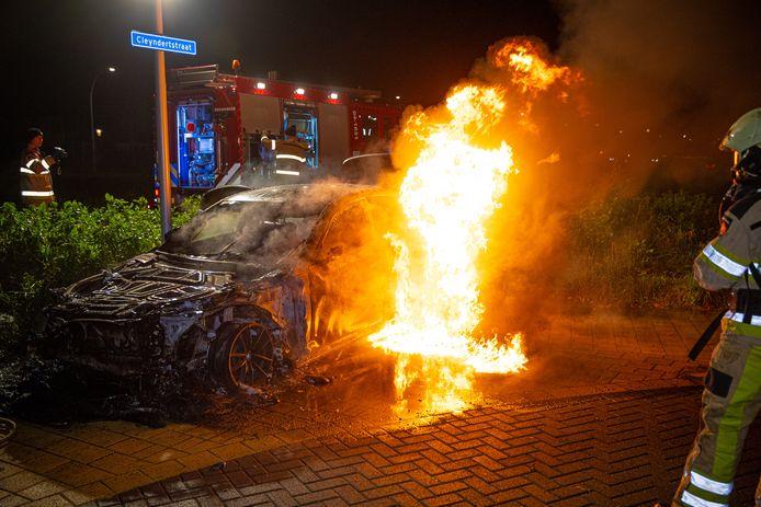 Enes S. heeft bij de politie en in de rechtbank bekend dat hij in november een BMW in Stadshagen in brand stak.