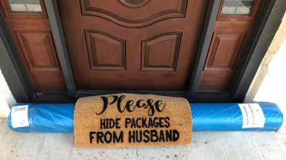 Pakjesbezorger doet heerlijke 'poging' om te voldoen aan vraag om pakketjes te verstoppen voor manlief