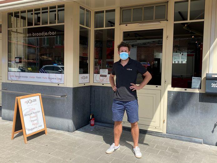 Günther Vanaudenaerde is nu uitbater van broodjeszaak De Pauze in Sint-Kruis. Hij bluste de brand bij zijn overburen.
