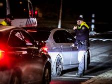 Veel politie op de been in Geitenkamp, twee jongeren gearresteerd na gooien van vuurwerk