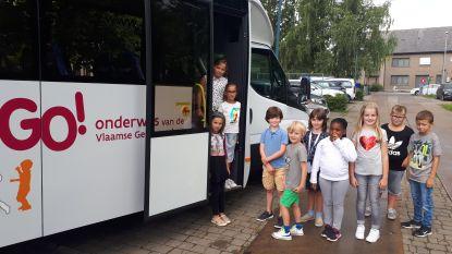 Nieuwe schoolbus voor basisschool Hofkouter en De Trampoline