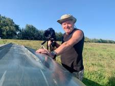 Erik is dol op vogels en hoopt zo vaak mogelijk een 'vliegende deur' te zien