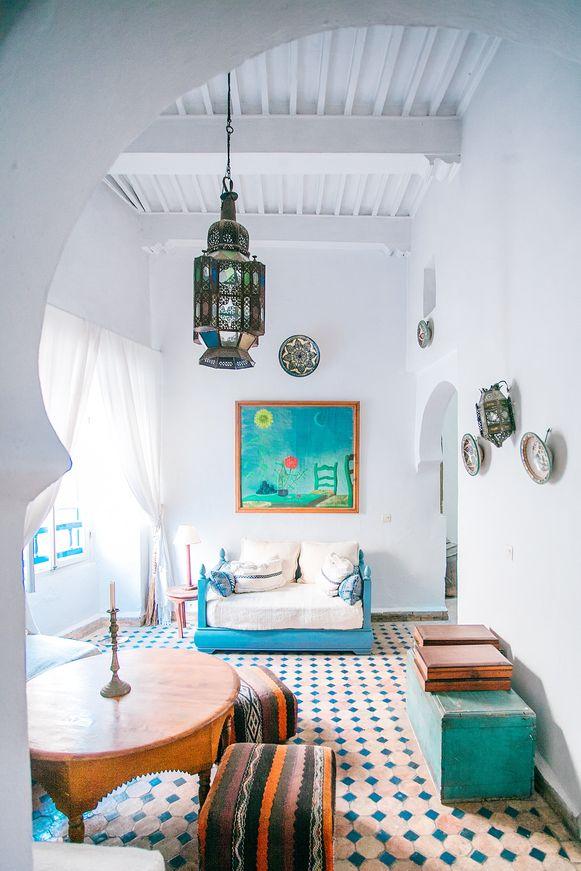 """""""Houd je van een uitdagend interieur met een levendige uitstraling? Kies dan voor complementaire kleurcombinaties zoals blauw en oranje."""""""