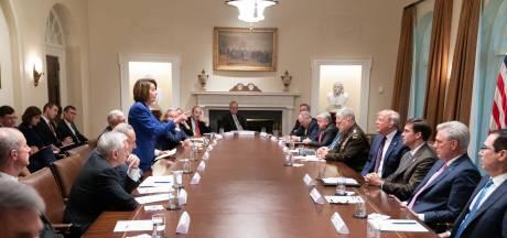 Trump noemt Pelosi 'derderangs politica' tijdens gespannen ontmoeting