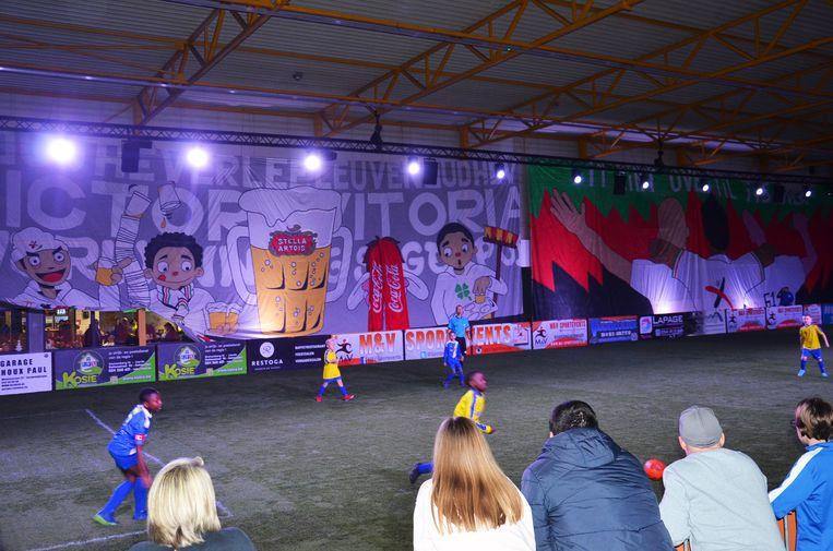 De omstreden tifo op het jeugdtornooi Jako Cup in Geraardsbergen werd intussen afgedekt.