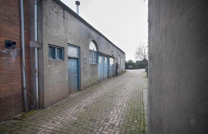 Het voormalige schuilkerkje aan de Zandstraat is nu een opslagruimte.