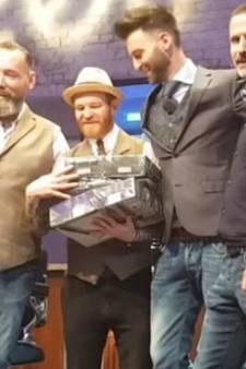 VIDEO: De Meesterbarbier in Tilburg wint award voor beste barbershop van het land