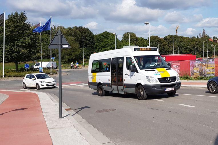 De shuttlebus pendelt sinds half juli tussen Nederhem en het centrum van de stad.