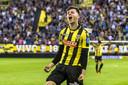 Mason Mount zoals ze hem vaak zagen bij Vitesse: juichend na weer een doelpunt.