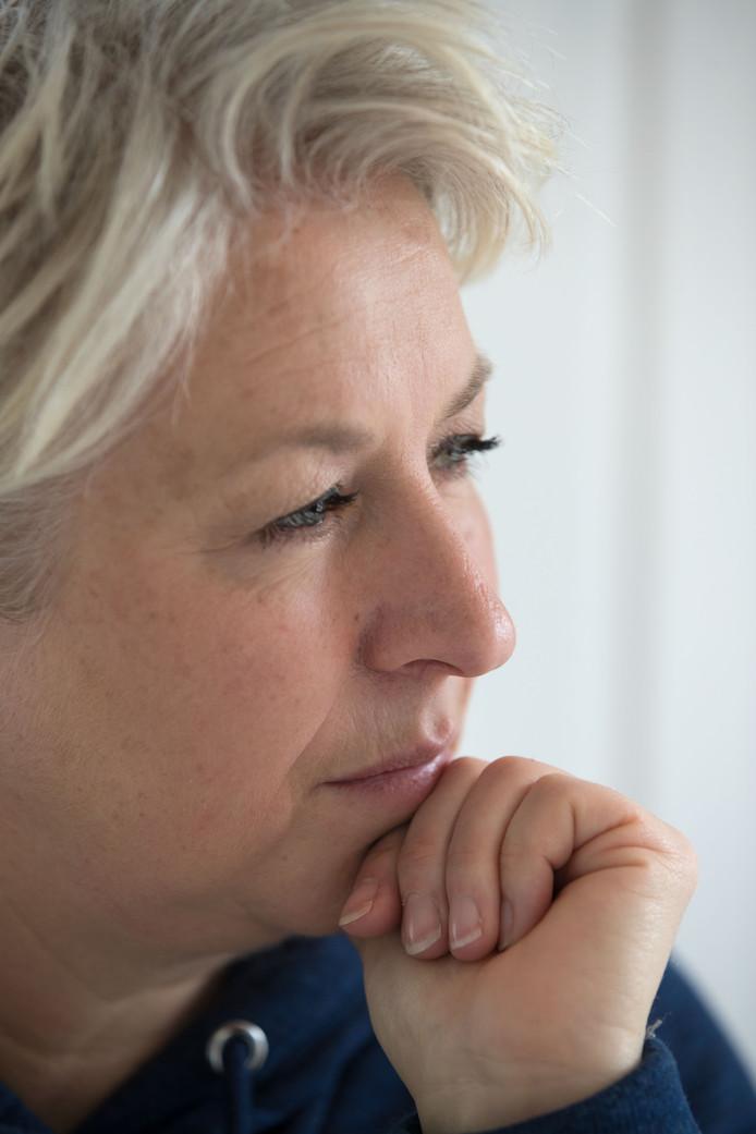 """Christa Krommenhoek was altijd druk, tot ze een auto-ongeluk kreeg en thuis kwam te zitten. ,,Ik was 40, maar voelde me 88."""""""