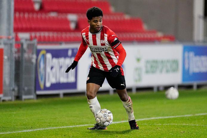 Shurandy Sambo speelt vrijdagavond met Jong PSV tegen Helmond Sport.