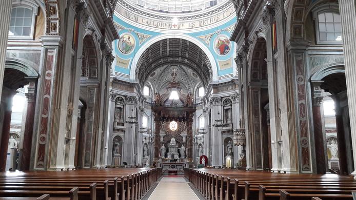 De pentekeningen blijven tot zaterdag 24 augustus achter in de basiliek staan om mensen warm te maken voor de tocht.