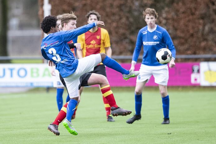 Het is erop of eronder voor voetbalclub De Zweef. De Nijverdallers moeten zondagmiddag winnen van Heino om degradatie te voorkomen.