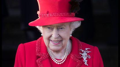 """Queen vraagt koninklijke familie om snelle """"oplossing"""" voor Harry en Meghan"""