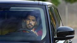 Luis Suárez verlaat Barcelona in tranen en trekt naar Atlético Madrid