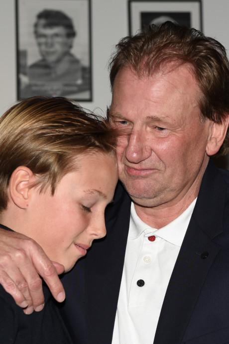 'Hoi Papa': De herrijzenis van Michel Boerebach op emotionele avond
