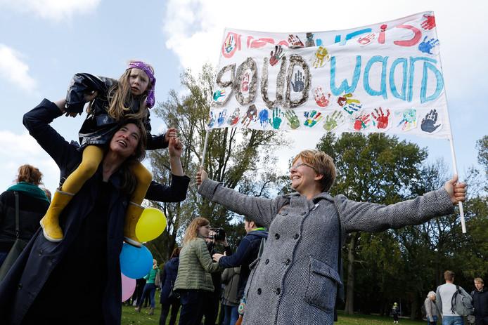 Basisschoolleraren strijden door totdat ze 1,4 miljard euro hebben binnengesleept voor betere salarissen en een lagere werkdruk.