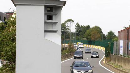 Honderden bestuurders laten zich vangen aan nachtelijke verkeersacties