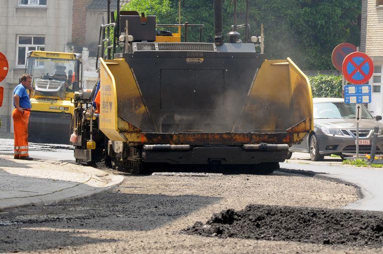 De asfalteermachines duiken deze week op in Nederbrakel.