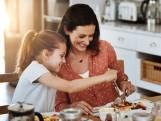 """Naast huidhonger ook honger naar samen eten? Een broodnodig ritueel, zegt de wetenschap: """"Door samen te eten leer je van kinds af belangrijke levenslessen"""""""