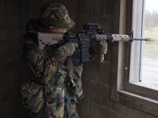 Groningse militairen oefenen samen met commando's en luchtmacht in Marnewaard