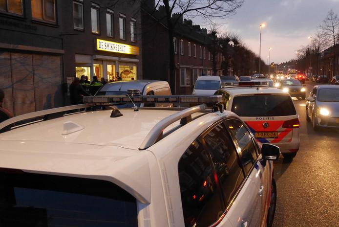 Meerdere politie-eenheden bij de Smikkelhut.