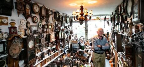 Klokkenverzamelaar Gerrit Pennings uit Eindhoven: 'Blij en trots als het lukt een oude klok weer te laten lopen'