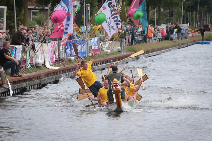 Een Drakenbootrace in Oldenzaal