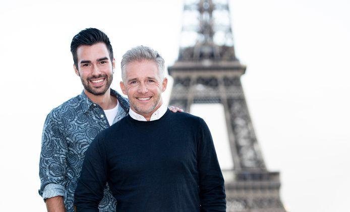 Christoff met zijn verloofde Ritchie in Parijs.