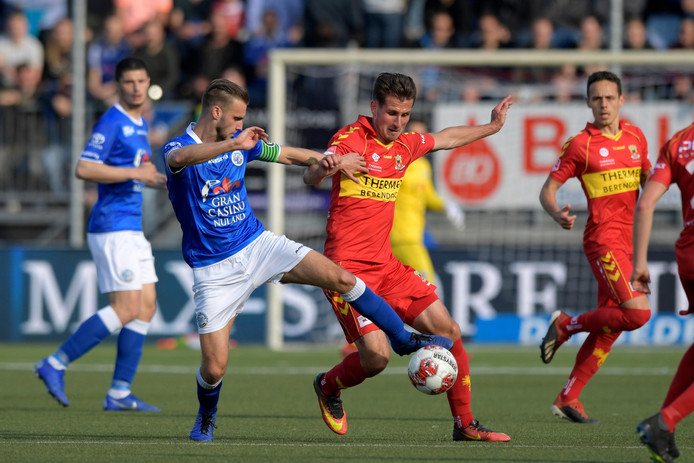 Danny Verbeek of FC Den Bosch, Paco van Moorsel of Go Ahead Eagles during FC Den Bosch - Go Ahead Eagles NETHERLANDS, BELGIUM, LUXEMBURG ONLY COPYRIGHT BSR/SOCCRATES