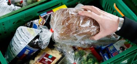 'Een schande, stelen van de armen', koppel steelt voor 200 euro aan bonnen voor Voedselbank Tilburg