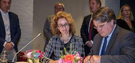 Burgemeester Keijzers in Oirschot geïnstalleerd als eredeken