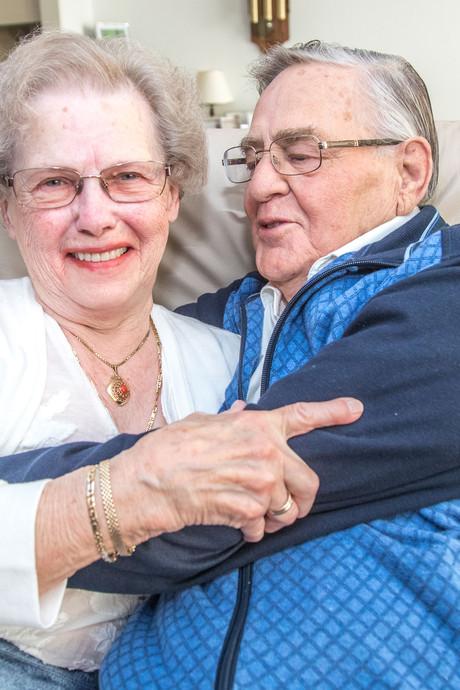 Bijzonder huwelijk: neef en nicht van 84 jaar geven elkaar het ja-woord