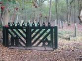 Poort Joodse begraafplaats Oirschot door Rotaryclub in ere hersteld