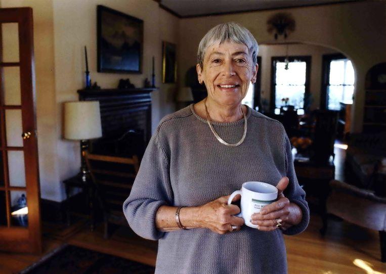 Schrijfster Ursula Le Guin, hier in 2001, is 88 jaar geworden. Beeld AP
