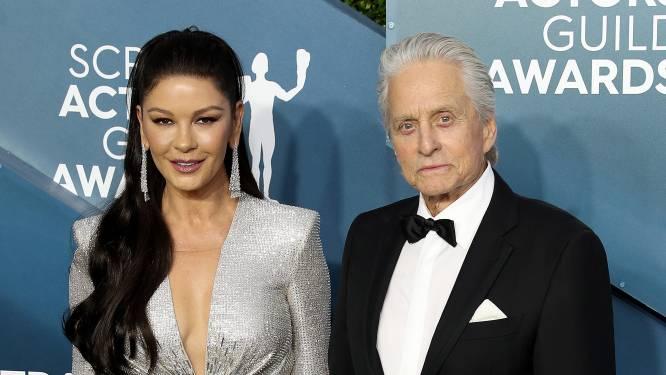 """Zo leerden Michael Douglas en Catherine Zeta-Jones elkaar kennen: """"Ik zag haar in 'The Mask of Zorro'"""""""