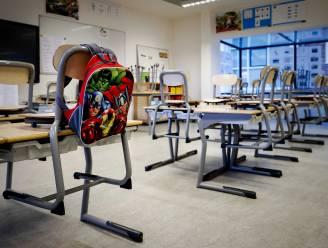 """Steeds meer scholen wachten herfstvakantie niet af en nemen zelf al maatregelen: """"Besmettingen stijgen ook bij ons plots heel snel, er moet nú iets gebeuren"""""""