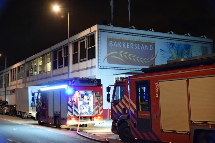 Het bedrijf wil niet reageren op de broodtekorten die door de brand zijn ontstaan.