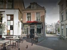 Alle medewerkers van café De Bisschop in Deventer testen negatief, dus de zaak kan weer open