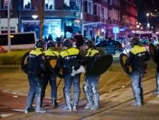LIVE | Chaotische avond in Nederlandse steden: winkels geplunderd, agenten belaagd, 151 arrestaties