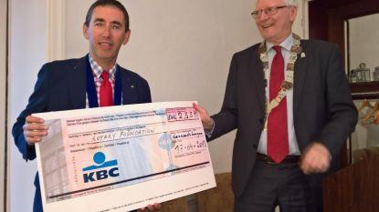 Rotary schenkt 2.838 euro aan Foundation