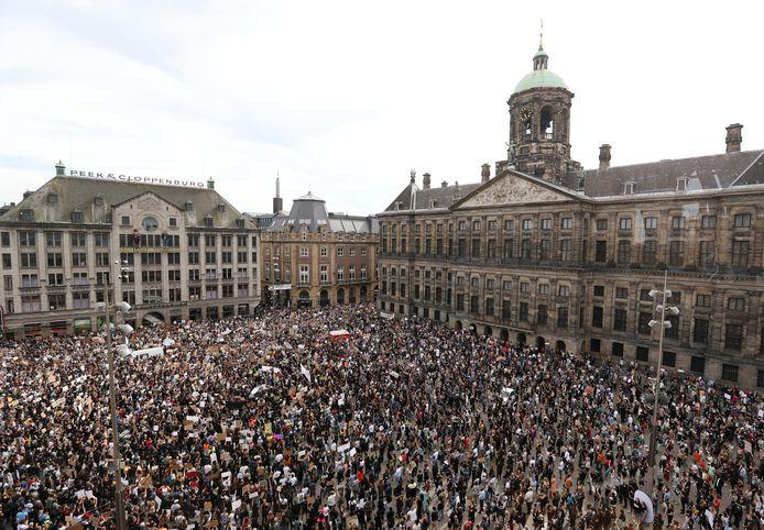 Duizenden mensen demonstreerden op de Dam.