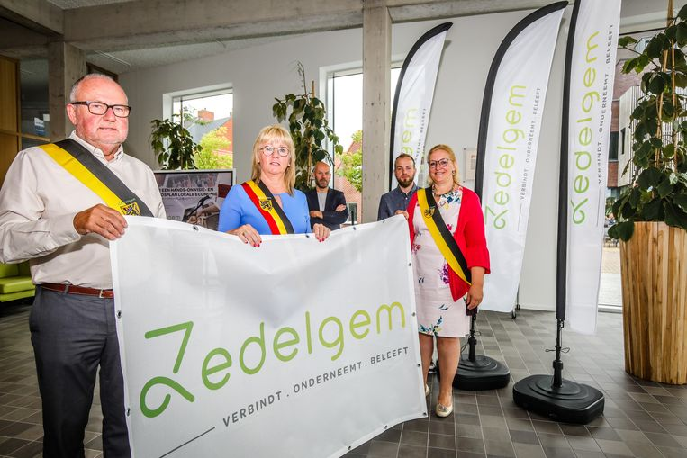 De gemeente Zedelgem stelt haar nieuwe campagne voor.
