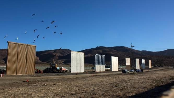 VS stellen prototypes van grensmuur voor