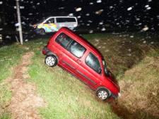 Automobilist belandt in de sloot bij Ovezande