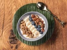 Wat Eten We Vandaag: Smoothie bowl banaan met blauwe bessen en pecannoten