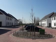 Feestelijke 'opening' 22 nieuwe woningen aan Driestapelenhof in Kaatsheuvel