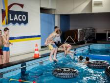 Zwembad De Wissen in Helmond langer open