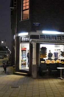 Cafetaria 't Hoekje in Arnhem overvallen, één gewonde