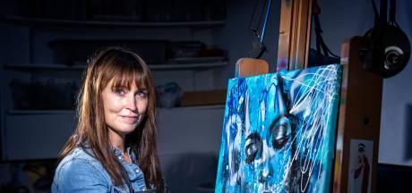Femke schildert 'eerste liefde' Tom Egbers in Sterren op het doek: 'Ik heb hem lekker expressief neergezet'